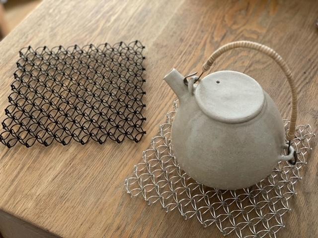CINQ ワイヤー鍋敷き スイス