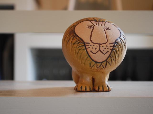 【北欧】【Lisa Larson (リサラーソン)】 大人気の陶器のオブジェ★ リサラーソン ライオン セミ・ミディアム  Lisa Larson Lion Semi・Midium