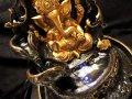◆神秘!光る噴水インテリア◆【動画あり】◆癒しの流水◆七色に光る!LEDライト◆風水・開運インテリア◆手頃な卓上サイズ◆神々しいデザイン◆ガネーシャ噴水置物◆約高さ28cm 幅20cm◆