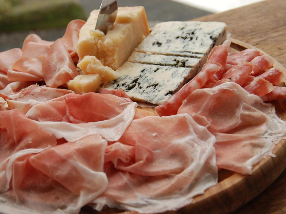 生ハム・サラミ・チーズのセット