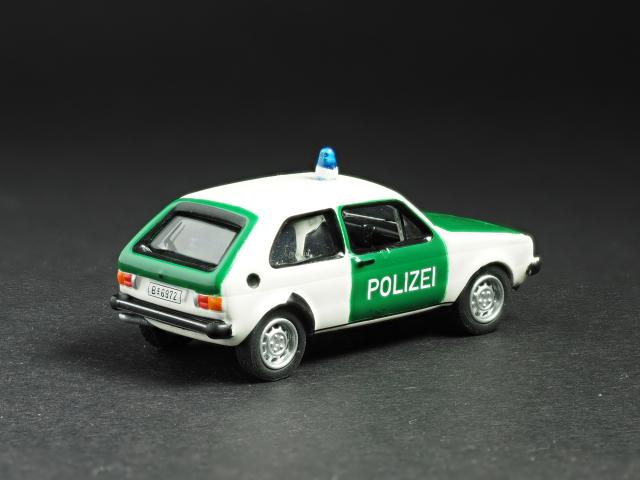 PremiumClassiXXs1/87 VWゴルフ1ドイツ警察_後