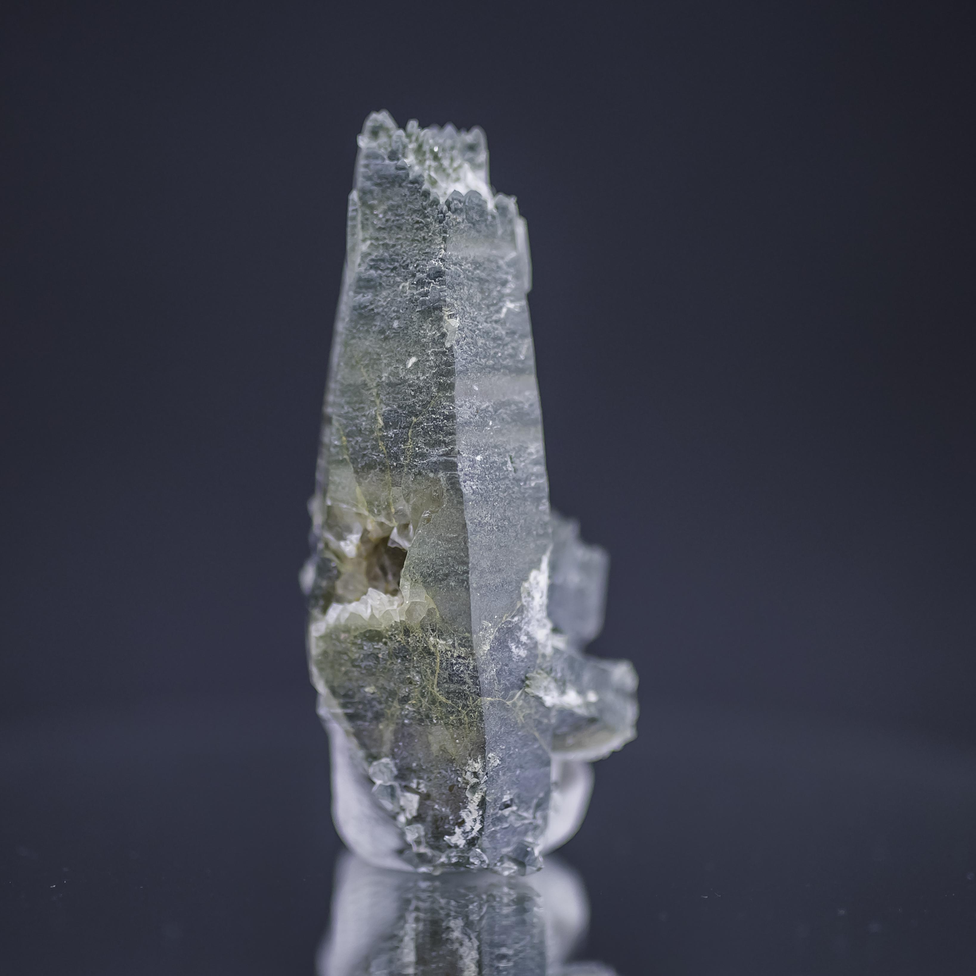 ヒマラヤ水晶 ラパ産水晶ポイント ガネーシュヒマール クローライト水晶hgr-2