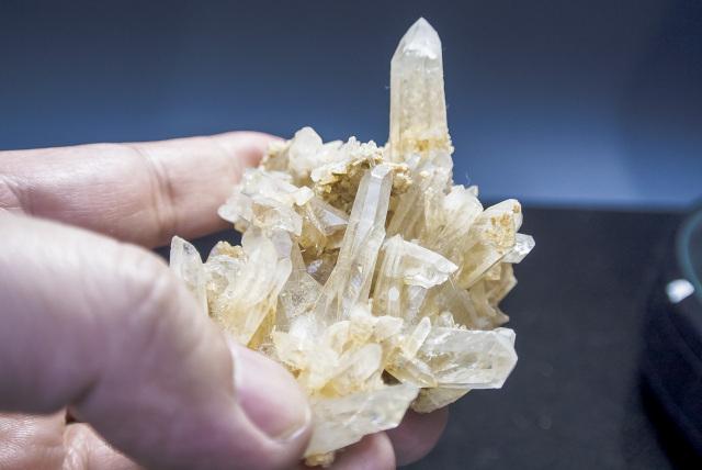 ヒマラヤ水晶 ダウラギリ産水晶クラスター