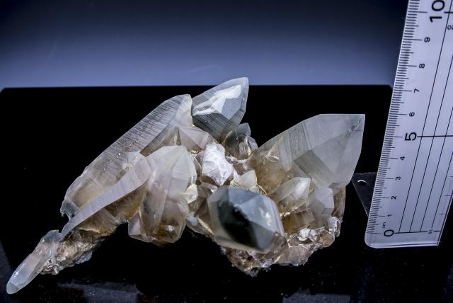 ヒマラヤ水晶 ラパ産水晶クラスター ガネーシュヒマール クローライト