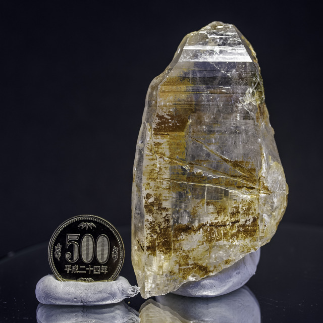 ヒマラヤ水晶 ティップリン産水晶ポイント ガネーシュヒマール レインボー・コッパークオーツhtp-11