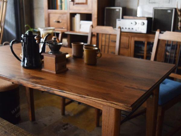 天然木ダイニングテーブル