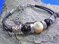 海からの贈り物★夜光貝(ヤコウガイ)ブレスレット【オニキス/水牛の革】
