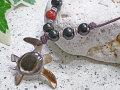 海からの贈り物★黒蝶貝ネックレス カメ(ホヌ)