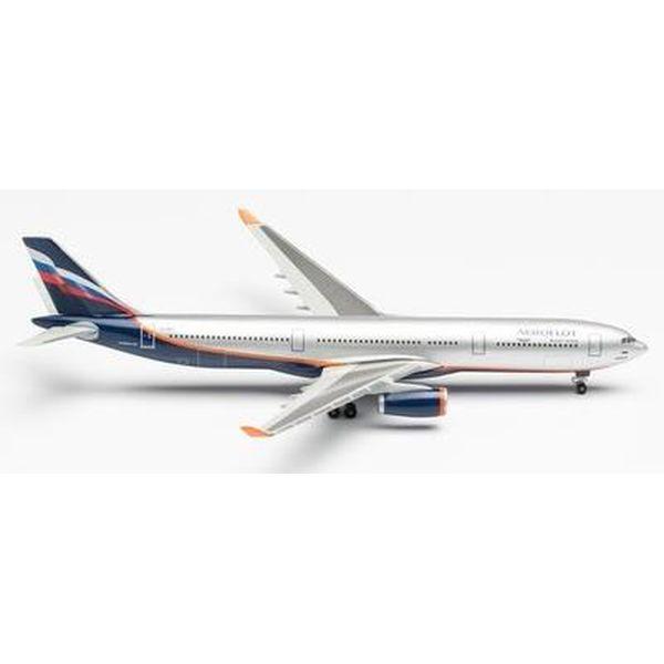"""【7月予約】ヘルパウイングス 1/500 A330-300 アエロフロート航空 VQ-BNS """"A.Bakulev"""" 完成品モデル HE517522-003"""