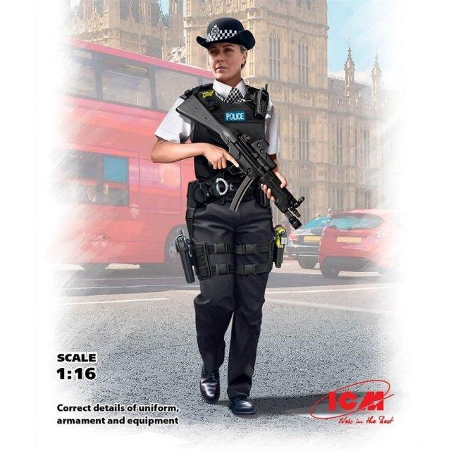 ICM 1/16 イギリス女性警察官 スケールプラモデル 16009