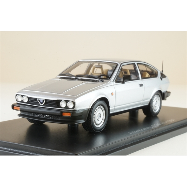 【5月予約】スパーク 1/43 アルファロメオ GTV 2.0 1980 完成品ミニカー S9046