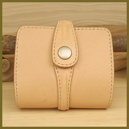 ハンドメイドのシンプル・レザーウォレット:手作り二つ折り革財布:革製品