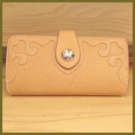 長財布:ハートの可愛いレディース革財布