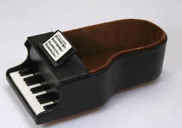 本革メガネ小物ケース ピアノ