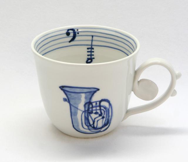 九谷焼 ヘ音記号マグカップ チューバ 染付 音楽雑貨