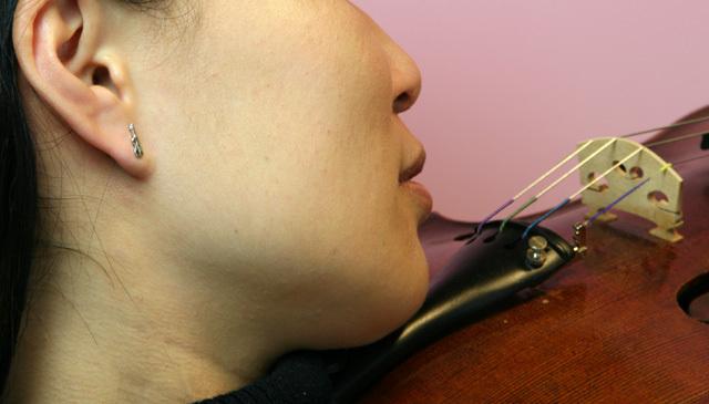 シルバーミニピアス SV992 ヴァイオリン 弦楽器 音楽雑貨