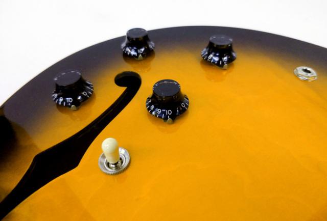 1997年 Gibson ES-335