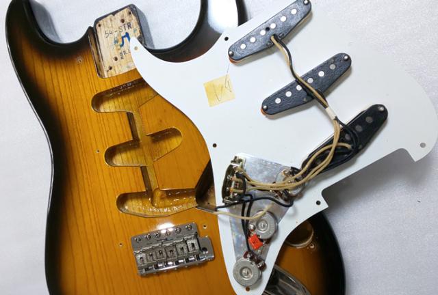1994年 Fender 40th Anniversary Stratocaster