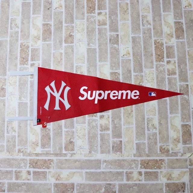 国内正規品 2015SS  New York Yankees × Supreme × '47 Brand Yankees Pennant Red 新品未使用品 [ ニューヨーク ヤンキース シュプリーム 47ブランド ヤンキース ペナント レッド 赤 ]