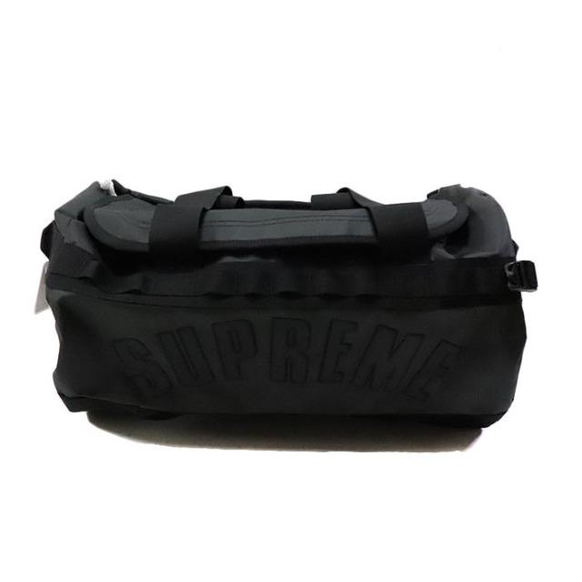 国内正規品 2019SS Supreme × The North Face Arc Logo Base Camp Duffle Bag Black 新品未使用品 [シュプリーム ノースフェイス アーク ロゴ ベースキャンプ ダッフルバッグ アーチ 黒 ]