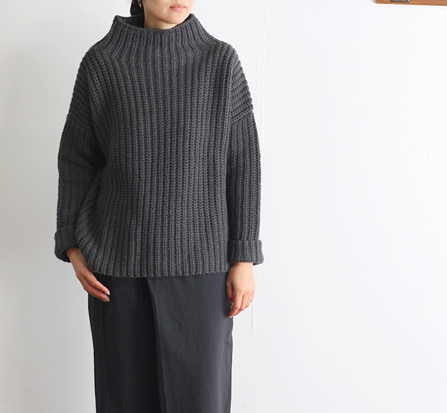 evam eva  エヴァムエヴァ low gauge aze turtleneck