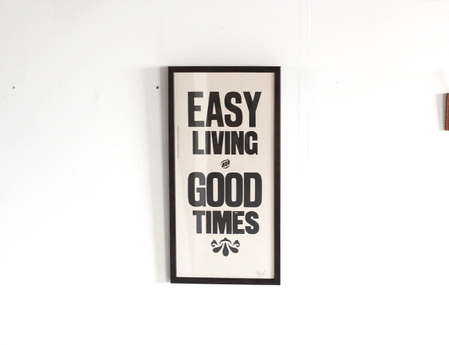 A TWO PIPE PROBLEM LETTERPRESS   EASY LIVING  Mサイズ 再入荷