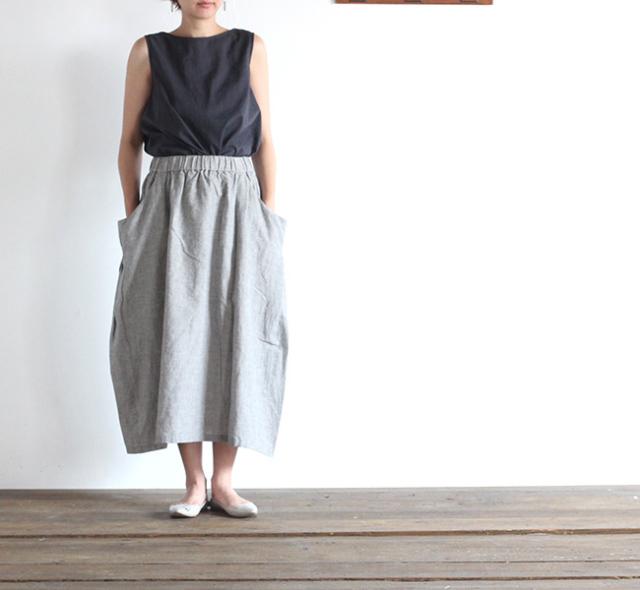 evam eva  エヴァムエヴァ chambray drop pocket skirt