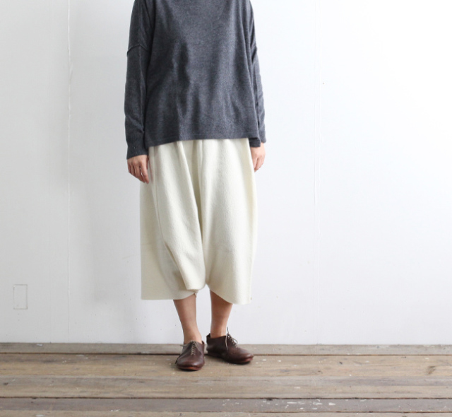 evam eva  エヴァムエヴァ press wool sarrouel pants E183K114