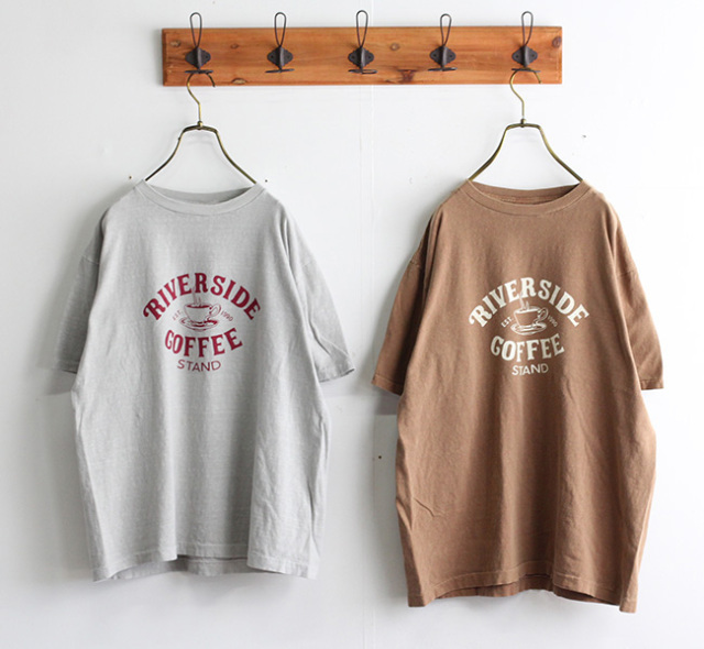 ordinary fits オーディナリーフィッツ プリントTシャツ PRINT-T RIVERSIDE COFFEE STAND OF-C021