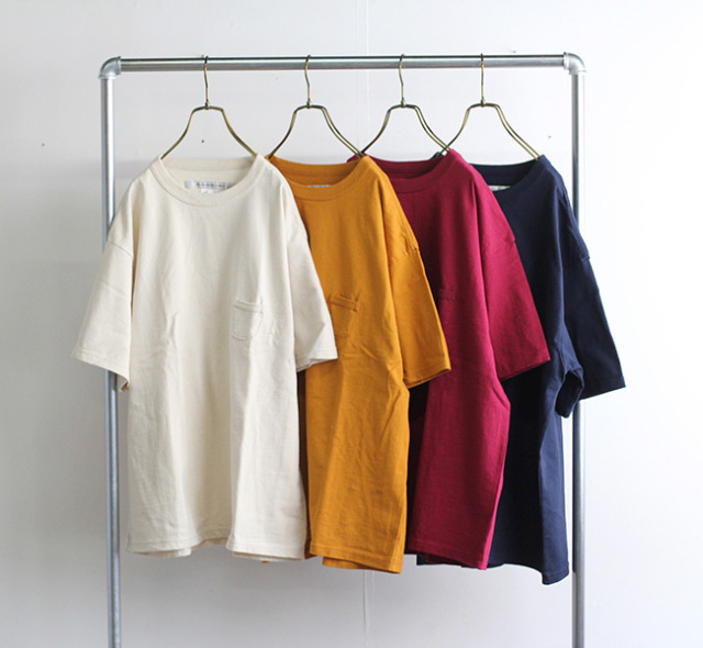 EEL Products イール プロダクツ CAMPER Tシャツ