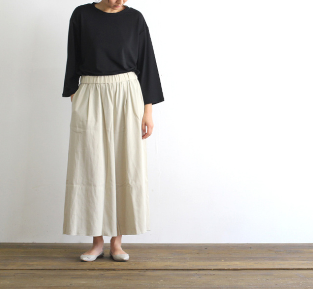 evam eva  エヴァムエヴァ cotton double cloth gather pants