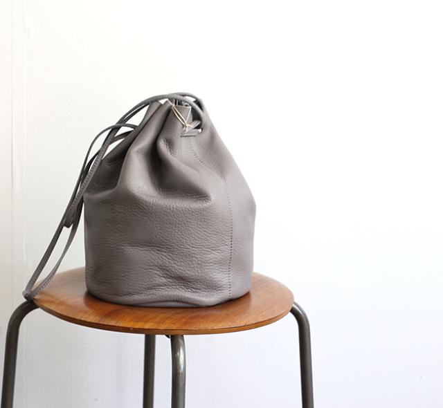 evam eva  エヴァムエヴァ drawstring bag E194Z023