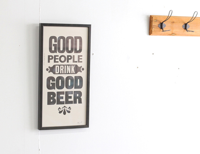 "A TWO PIPE PROBLEM LETTERPRESS   ""GOOD PEOPLE DRINK GOOD BEER""  Mサイズ 再入荷"