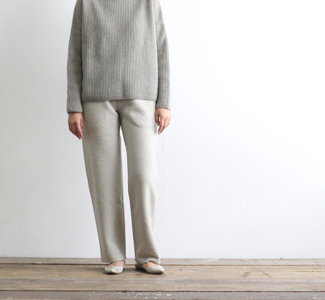 evam eva  エヴァムエヴァ press wool straight pants