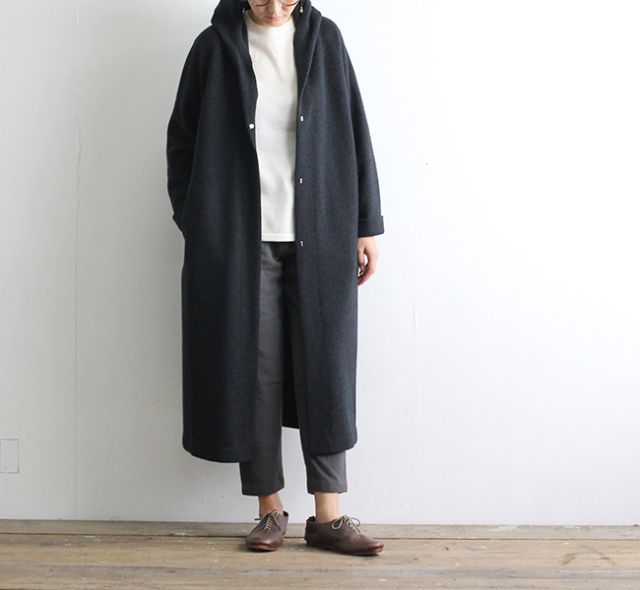 evam eva  エヴァムエヴァ press wool hooded coat