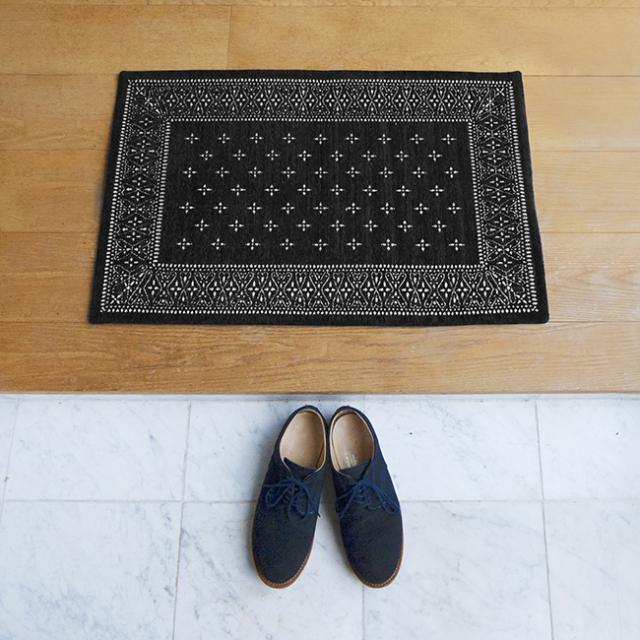 "Cross Bandanna Rug  BLACK/ クロスバンダナラグ ブラック ""80×50cm"""