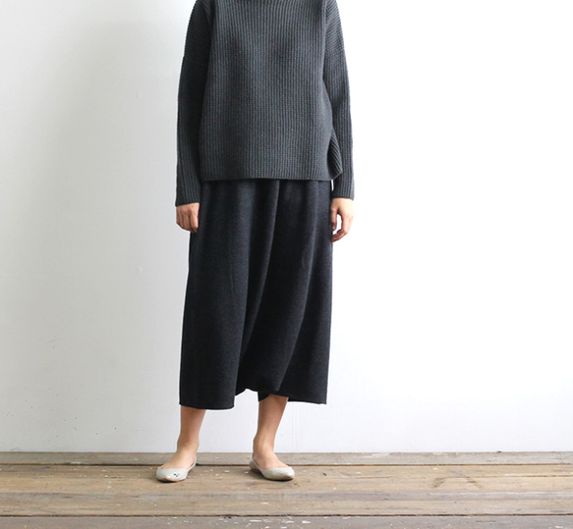 evam eva  エヴァムエヴァ press wool sarrouel pants