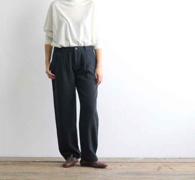 evam eva  エヴァムエヴァ wool cashmere tuck wide pants