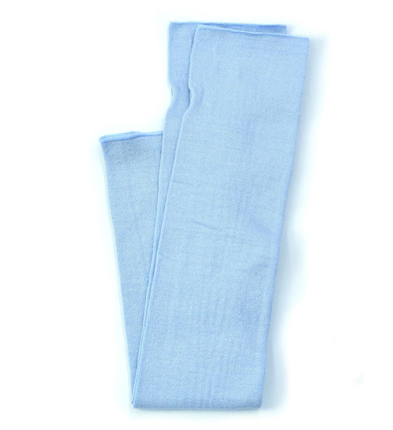 シルク糸でつくったニットアームカバー/ブルー