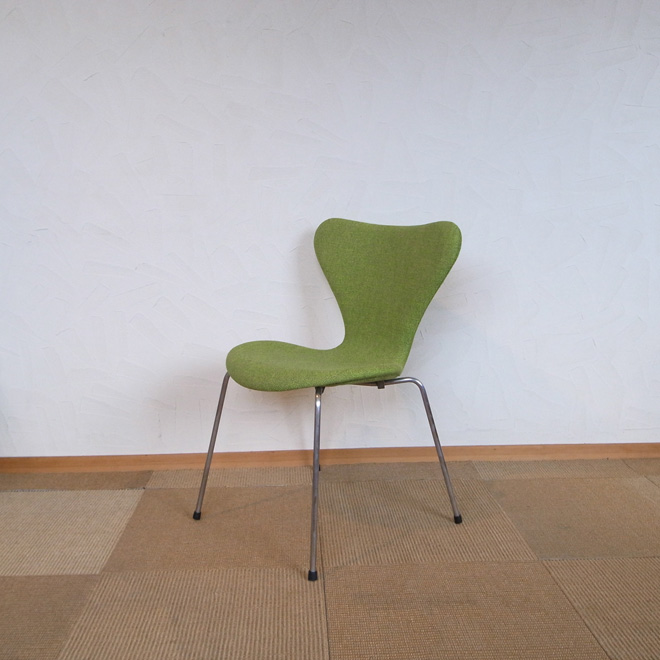 Arne Jacobsen / アルネ・ヤコブセン フリッツ・ハンセン 3107 セブンチェア【ビーチ】