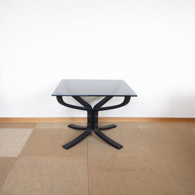 Sigurd Ressel / シグード・レッセル  Falcon コーヒーテーブル【ビーチ】