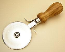 オリーブの木のピザカッター【イタリア】オリーブウッド木製 PZ_C