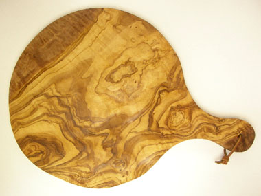 ピザ用オリーブの木のまな板円形、丸、ラウンドオリーブウッドカッティングボード Dモデル【無垢一枚板イタリア製】 PLC_D65