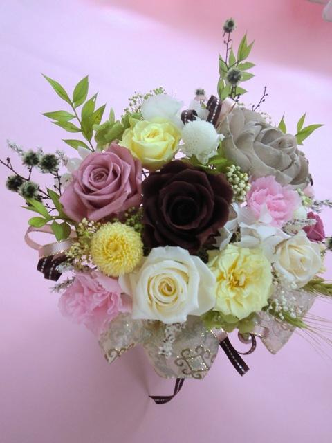 プリザーブドフラワー両親贈呈退職祝い等に最適な特殊メリアで大人気のモカベージュエリーゼL
