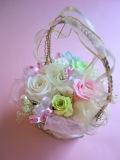 【プリザーブドフラワーギフト】ハートのワイヤーの花器にハートの花園