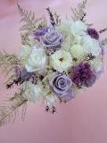 【プリザーブドフラワーギフト】結婚祝いお誕生日にホワイトを主に選べる4種パープル・淡いグリーン・淡いピンク・ホワイトLL