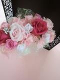 プリザーブドフラワー贈り物に最適なゴールドの花器にピンク アゼリア