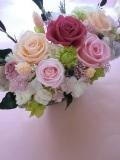 プリザーブドフラワー両親贈呈,退職祝いにシルバーグレーの豪華な花器にピンクピーチアゼリア