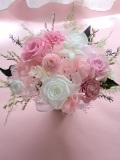 プリザーブドフラワーギフト 母の日 結婚祝いに清楚・上品なホワイトローズに淡いピンクピンポンマム