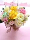 両親贈呈 退職祝いに最適なプリザーブドフラワー高級ゴールドの花器にイエローピンクレッド2